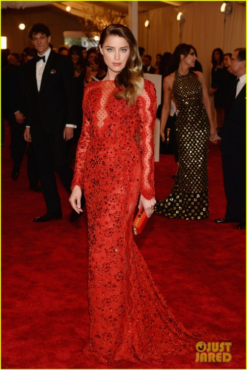 amber-heard-met-ball-2013-red-carpet-02-pucci