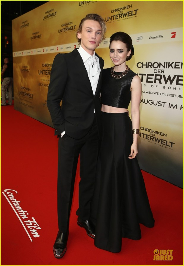 lily-collins-jamie-campbell-bower-city-of-bones-berlin-premiere-05