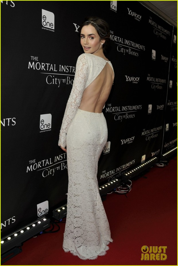lily-collins-jamie-campbell-bower-mortal-instruments-toronto-premiere-02